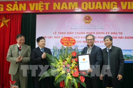 Hải Dương trao giấy chứng nhận đầu tư cho 2 dự án FDI ngay đầu năm