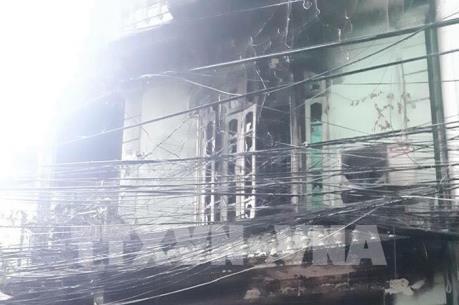 Hỏa hoạn bất ngờ lúc rạng sáng ở Pháo Đài Láng, Hà Nội