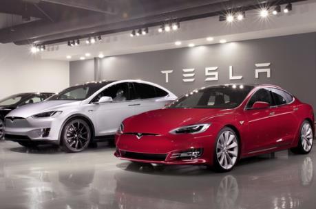 """Tesla muốn miễn thuế quan cho """"bộ não"""" máy tính ô tô nhập từ Trung Quốc"""