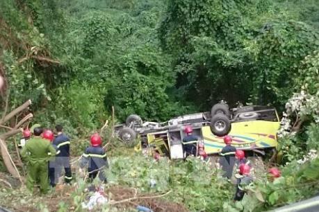 Khởi tố vụ án xe khách rơi xuống vực ở đèo Hải Vân
