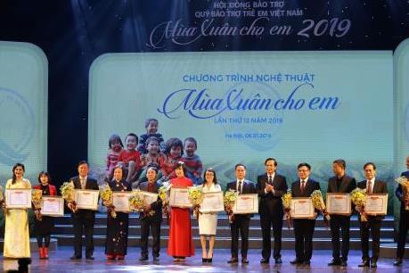 HDBank trao 1.000 suất học bổng cho trẻ em