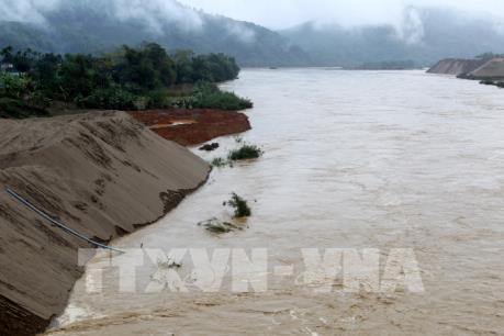 Xuất hiện lũ lớn bất thường trên Sông Hồng đoạn qua Lào Cai