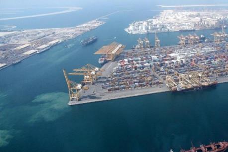 Lô hàng xe khách đầu tiên của Nga cập cảng Cuba