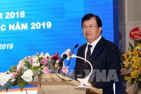 Phó Thủ tướng Trịnh Đình Dũng: Không để người dân nghi ngờ về chất lượng xăng dầu