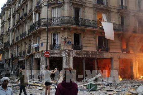 Nổ lớn ở trung tâm thủ đô Paris của Pháp