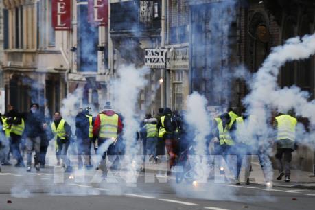 """Pháp tiếp diễn làn sóng biểu tình """"Áo vàng"""""""