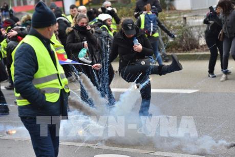 """Có 84.000 người biểu tình theo kêu gọi của phong trào """"Áo vàng"""""""