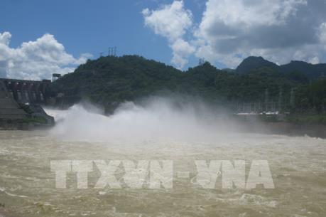 Thủy điện Hòa Bình đảm bảo sản xuất điện và cung cấp nước khu vực hạ lưu