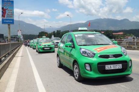 Taxi Mai Linh được vận chuyển khách đi lại giữa Bệnh viện, khu cách ly và sân bay Nội Bài
