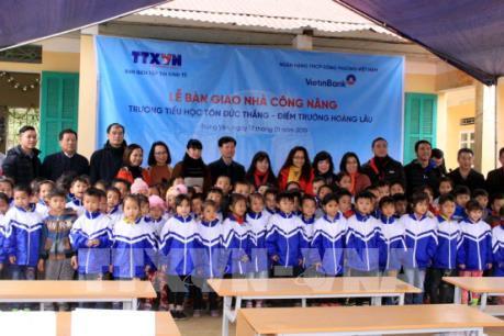Thông tấn xã Việt Nam bàn giao công trình nhà công năng tại Tuyên Quang