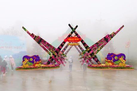 """Du xuân, bái Phật tại """"thành phố trong mây"""" ngày đầu năm mới"""