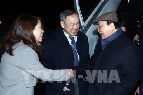 Thủ tướng Nguyễn Xuân Phúc tới Thụy Sĩ, bắt đầu dự WEF