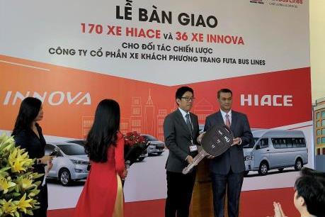 Toyota Việt Nam bàn giao hơn 200 xe cho Công ty Phương Trang