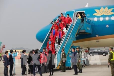 Asian Cup 2019: Người hâm mộ nồng nhiệt đón Đội tuyển bóng đá Việt Nam