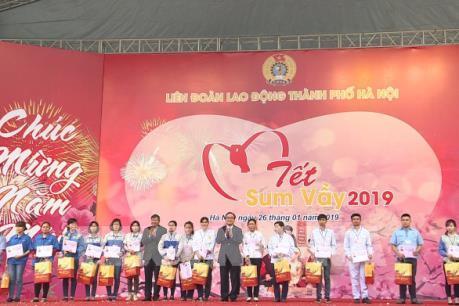 Bí thư Thành ủy Hà Nội dự Tết sum vầy với hàng nghìn công nhân lao động