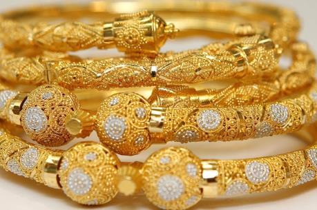 Chênh lệch giữa giá vàng trong nước và thế giới chỉ còn 400 nghìn đồng/lượng