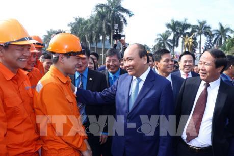 Thủ tướng Nguyễn Xuân Phúc thăm, chúc Tết công nhân lao động tại Hải Phòng