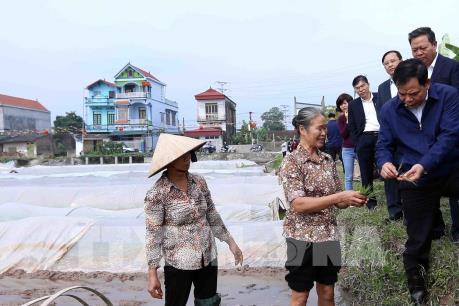 Kiểm tra vận hành công trình thủy lợi lấy nước và gieo cấy vụ Đông Xuân