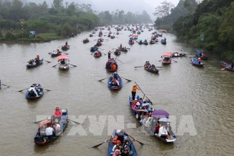 Hành trình trẩy hội Chùa Hương