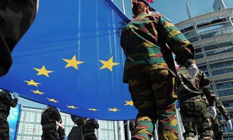 """EU kẹt giữa """"hai làn hỏa lực"""" khi Mỹ rút khỏi INF"""