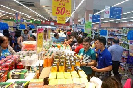 Hàng hóa phục vụ Tết giảm giá nhẹ trước thềm năm mới