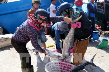 Tiếp sức cho ngư dân vươn lên làm giàu