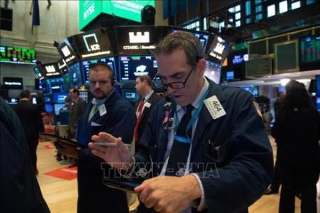 Thị trường chứng khoán toàn cầu đi xuống