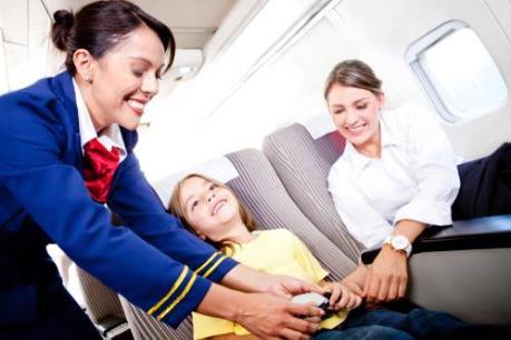 """Nỗ lực làm hài lòng hành khách """"nhí"""" của các hãng hàng không"""