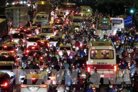 Kẹt xe gần 7 giờ trong đêm Khai mạc Hội xuân Núi Bà Đen