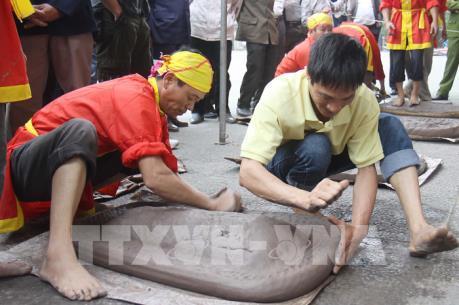 Pháo đất, trò chơi dân gian có từ lâu đời của vùng Đồng bằng Bắc Bộ
