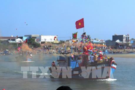 Quảng Nam ra khơi đánh bắt đầu năm
