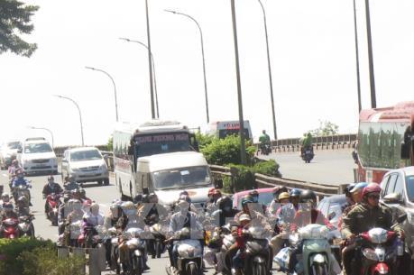 Ùn tắc tại các trục lộ giao thông từ Long An về TP. Hồ Chí Minh