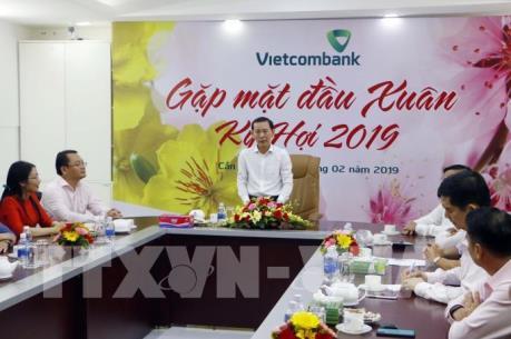 """Lãnh đạo thành phố Cần Thơ """"xông đất"""" doanh nghiệp đầu năm"""