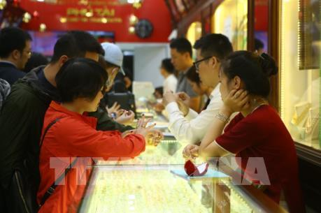 Nhìn lại thị trường vàng trong nước tuần qua: Nhu cầu vàng tăng mạnh dịp Thần Tài