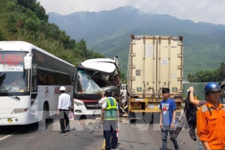 Tai nạn nghiêm trọng tại hầm Hải Vân khiến 13 người bị thương