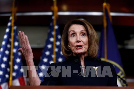 Chủ tịch Hạ viện Mỹ kêu gọi chấm dứt tình trạng khẩn cấp quốc gia