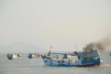 Quảng Ngãi: Cháy tàu cá đang chuẩn bị ra khơi