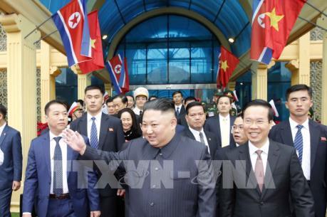Chủ tịch Triều Tiên Kim Jong-un bắt đầu thăm hữu nghị chính thức Việt Nam