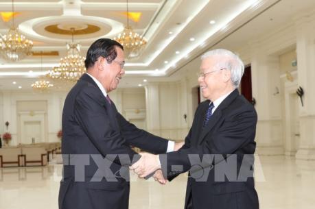 Tổng Bí thư, Chủ tịch nước Nguyễn Phú Trọng hội kiến Thủ tướng Campuchia Hun Sen