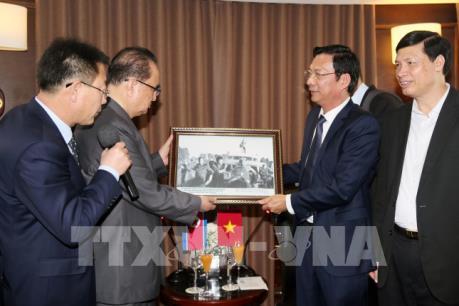 Đoàn đại biểu Triều Tiên thăm quan Di sản Thiên nhiên Thế giới vịnh Hạ Long