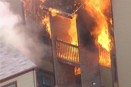 Cháy chung cư 5 tầng, nhiều người thiệt mạng