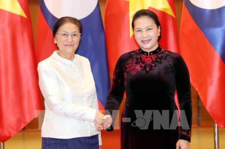 Chủ tịch Quốc hội Nguyễn Thị Kim Ngân làm việc với Chủ tịch Quốc hội Lào Pany Yathotou