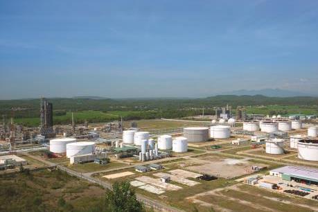 Sớm bàn giao mặt bằng để nâng cấp, mở rộng Nhà máy Lọc dầu Dung Quất