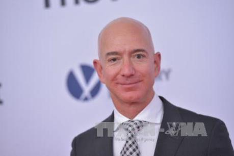 Tài sản vượt ngưỡng 200 tỷ USD, CEO Amazon đối mặt nhiều chỉ trích