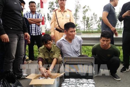 Thái Bình bắt ba đối tượng vận chuyển 6,2 kg ma túy tổng hợp
