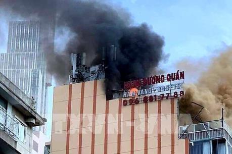 Cháy tòa nhà cao tầng ở trung tâm Thành phố Hồ Chí Minh