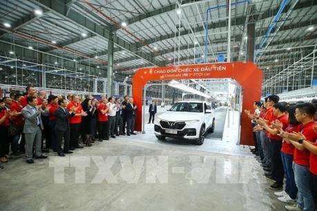 Thị trường ô tô Việt Nam giảm mạnh trong tháng 2