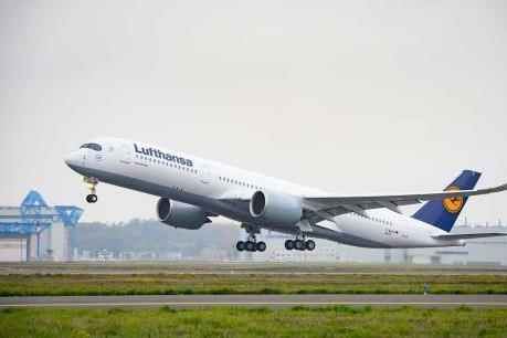 Tập đoàn Lufthansa đặt mua thêm 20 máy bay thân rộng A350-900