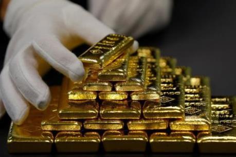 Giá vàng thế giới vẫn áp sát mức cao nhất trong gần 8 năm