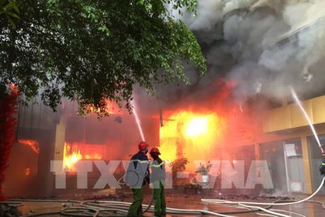 Tin mới nhất về vụ cháy tại tổ hợp khách sạn, nhà hàng, karaoke thành phố Vinh